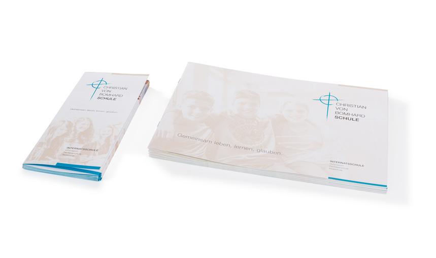 Christian von bomhard schule uffenheim flyer brosch re for Schule grafik